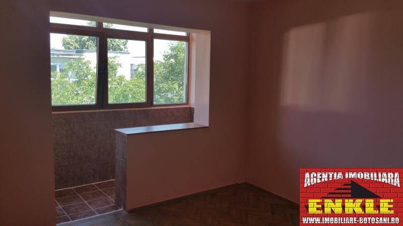 Apartament 3 camere str.Sucevei -2569-0