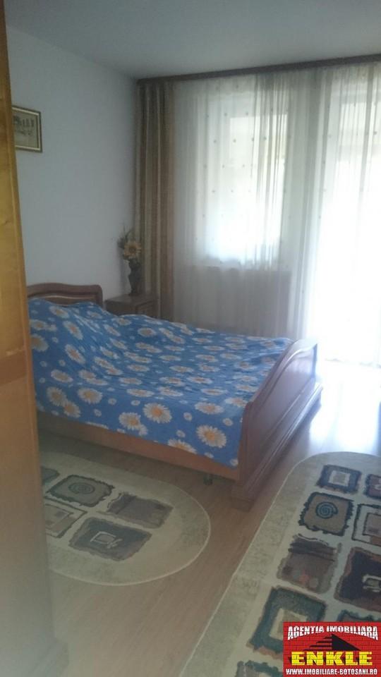 Apartament 3 camere, zona Bd.Mihai Eminescu-2690-1