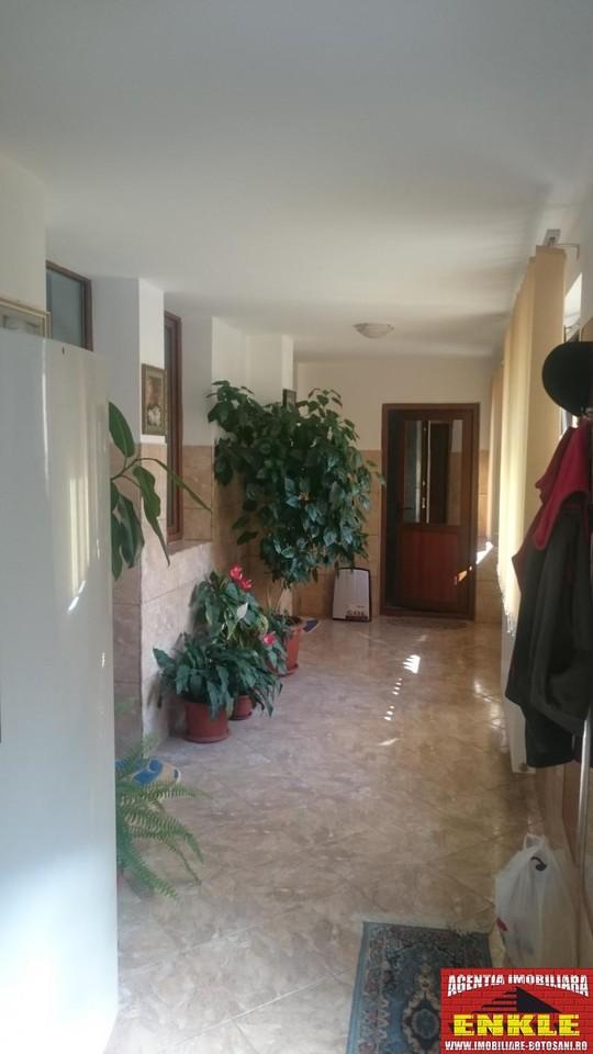 Apartament 3 camere, zona Bd.Mihai Eminescu-2690-2