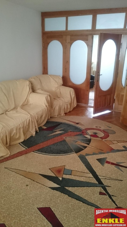 Apartament 4 camere, zona ultracentrala-2750-0