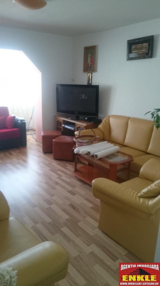 Apartament 3 camere, zona Primaverii-2774-1
