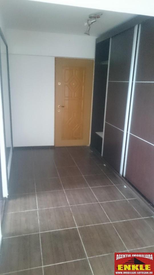 Apartament 3 camere, zona C. Nationala-2777-4