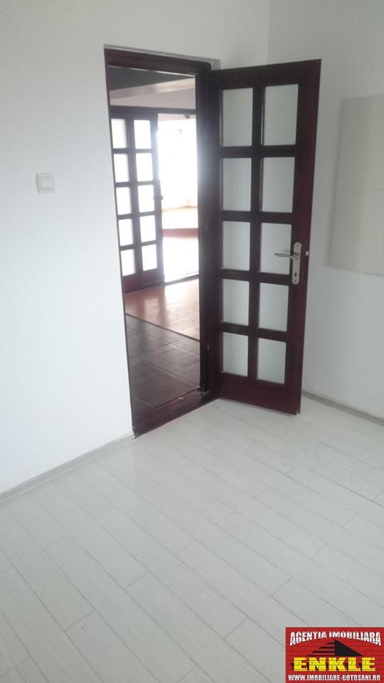 Apartament 3 camere, zona C. Nationala-2777-6