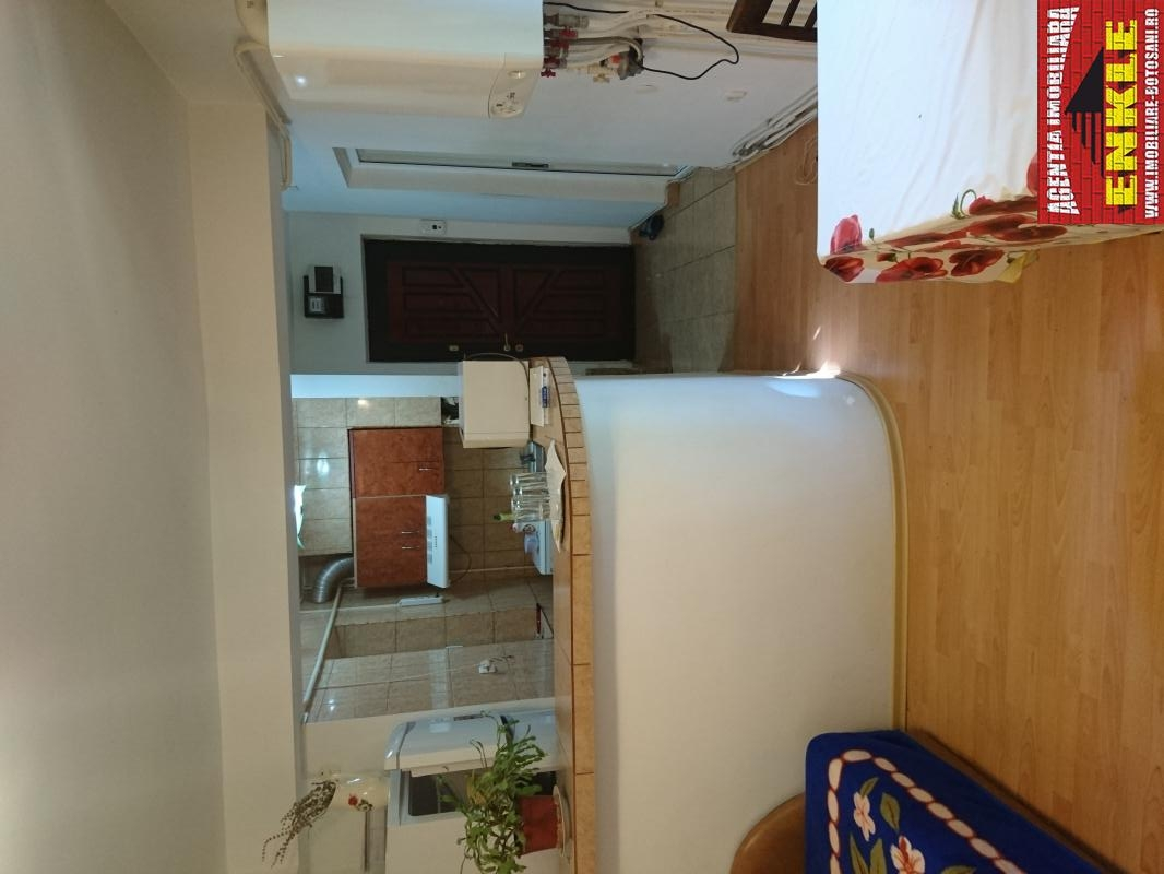 Apartament 3 camere, zona Bulevard/Scoala 7-2943-0