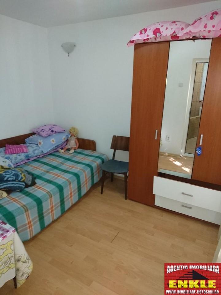Apartament 3 camere, zona Bulevard/Scoala 7-2943-3