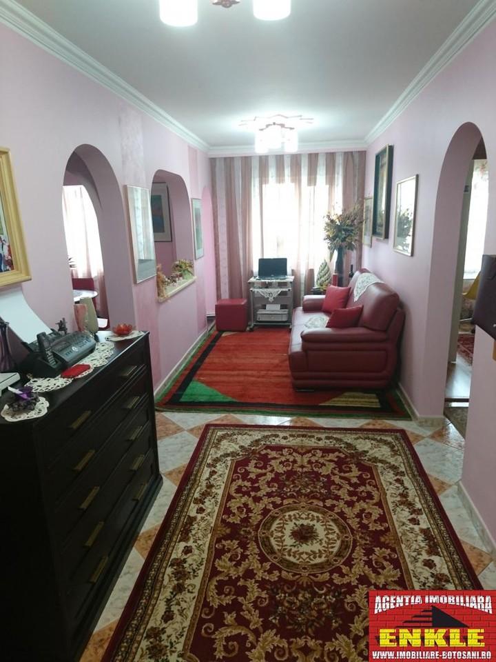 Apartament 4 camere, zona Directia Muncii-2956-0
