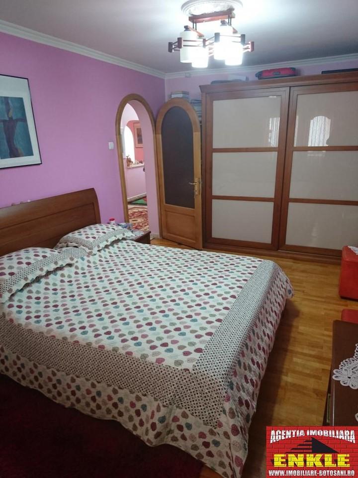 Apartament 4 camere, zona Directia Muncii-2956-5