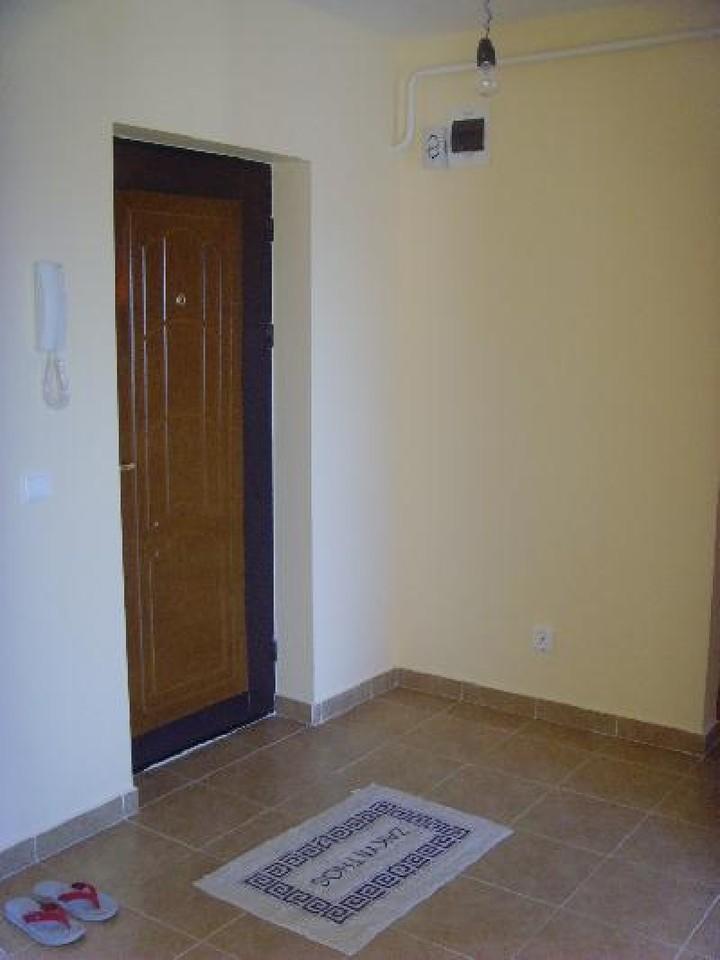 Apartament cu 3 camere de inchiriat-542-0