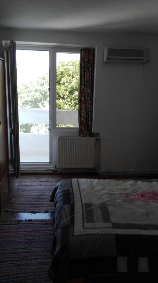 Apartament 4 camere transformat in 3, 90 mp utili, zona Unirii, pret negociabil !-3031-1