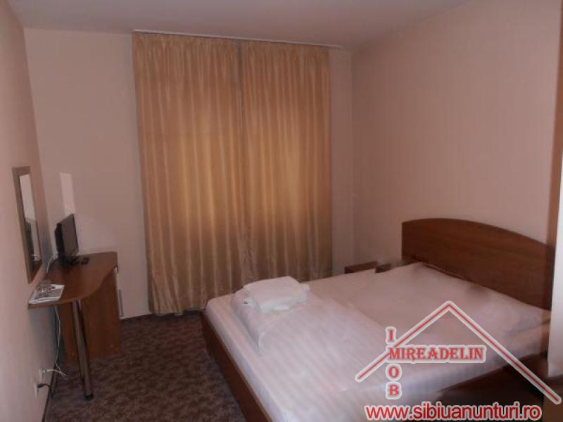 VAND  PENSIUNE *** 12 camere Sibiu -2550-2
