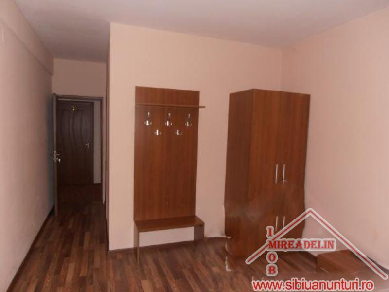 VAND  PENSIUNE *** 12 camere Sibiu -2550-7
