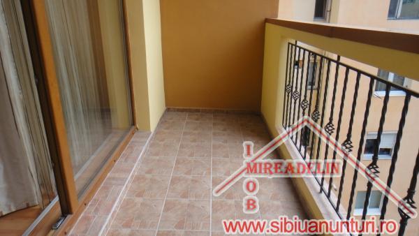 VAND APARTAMENT 2 camere decomandate, zona Interex-501-3