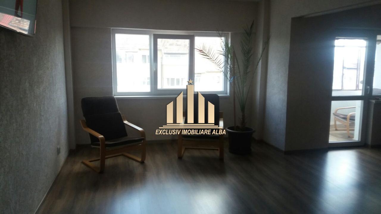 De vanzare apartament 4 camere Cetate-32836-