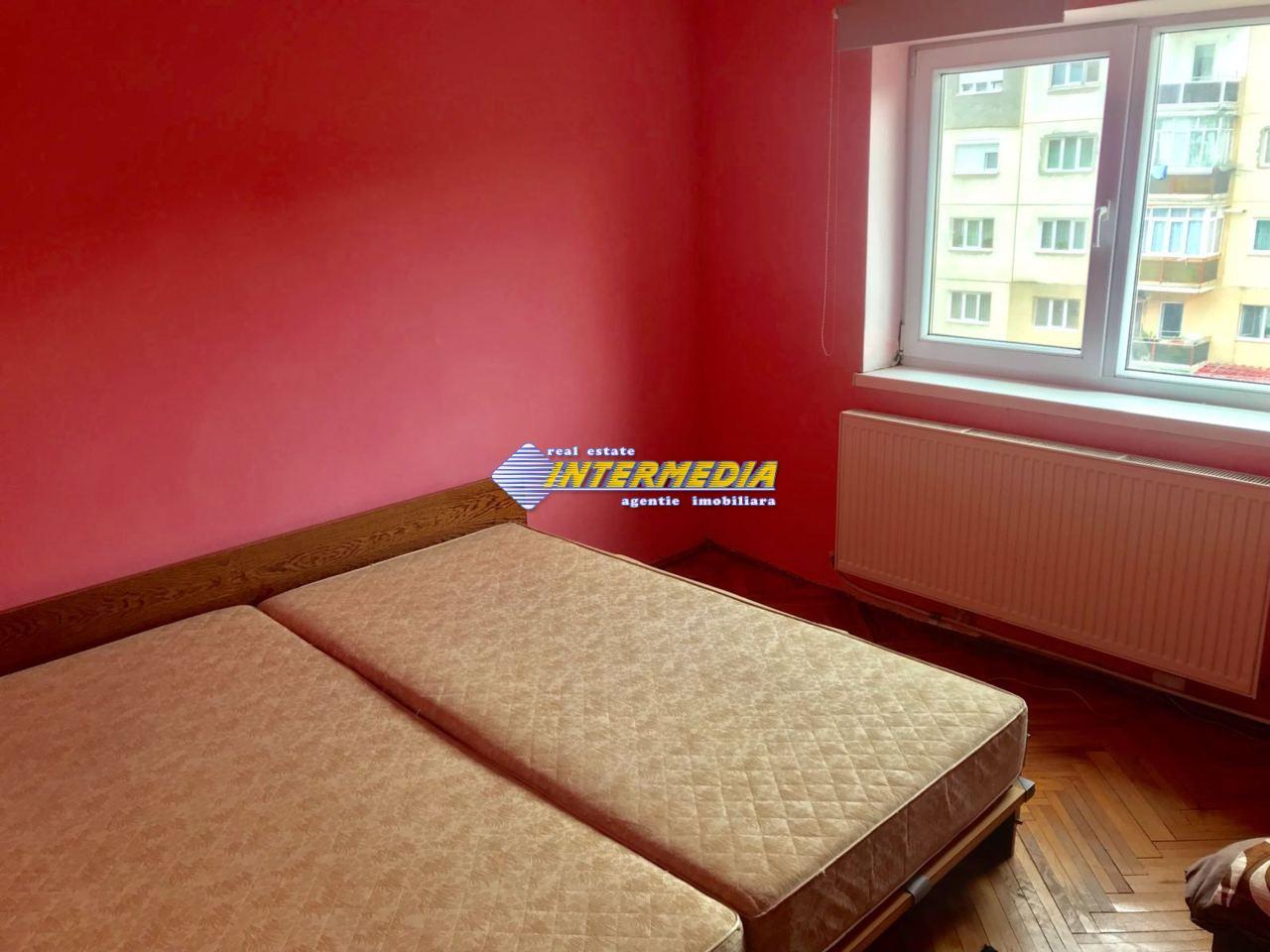 3 camere decomandat de Inchiriat in Cetate Alba Iulia-25574-6