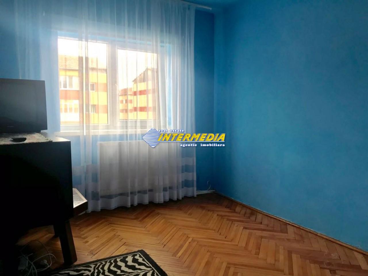 3 camere decomandat de Inchiriat in Cetate Alba Iulia-25574-9