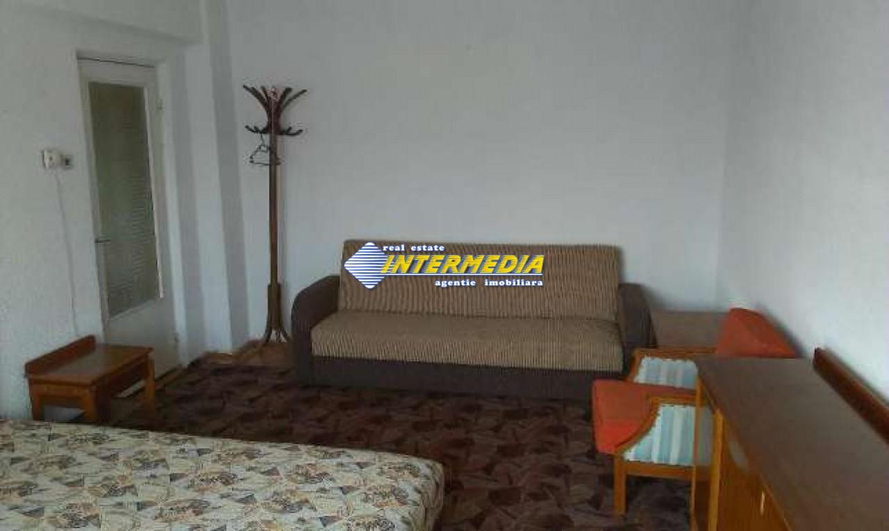 Apartament 3 camere decomandat in Cetate Alba Iulia -33461-0
