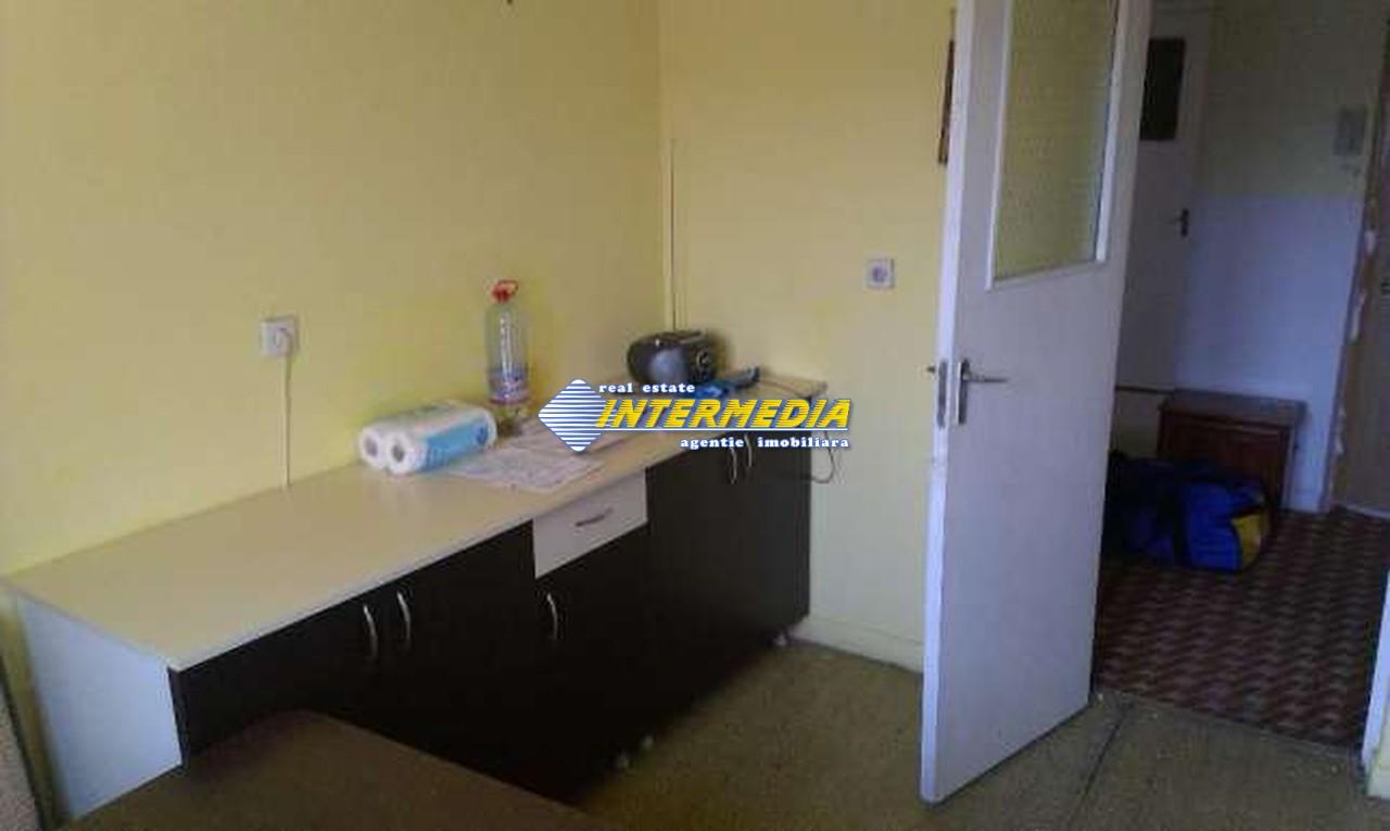 Apartament 3 camere decomandat in Cetate Alba Iulia -33461-4