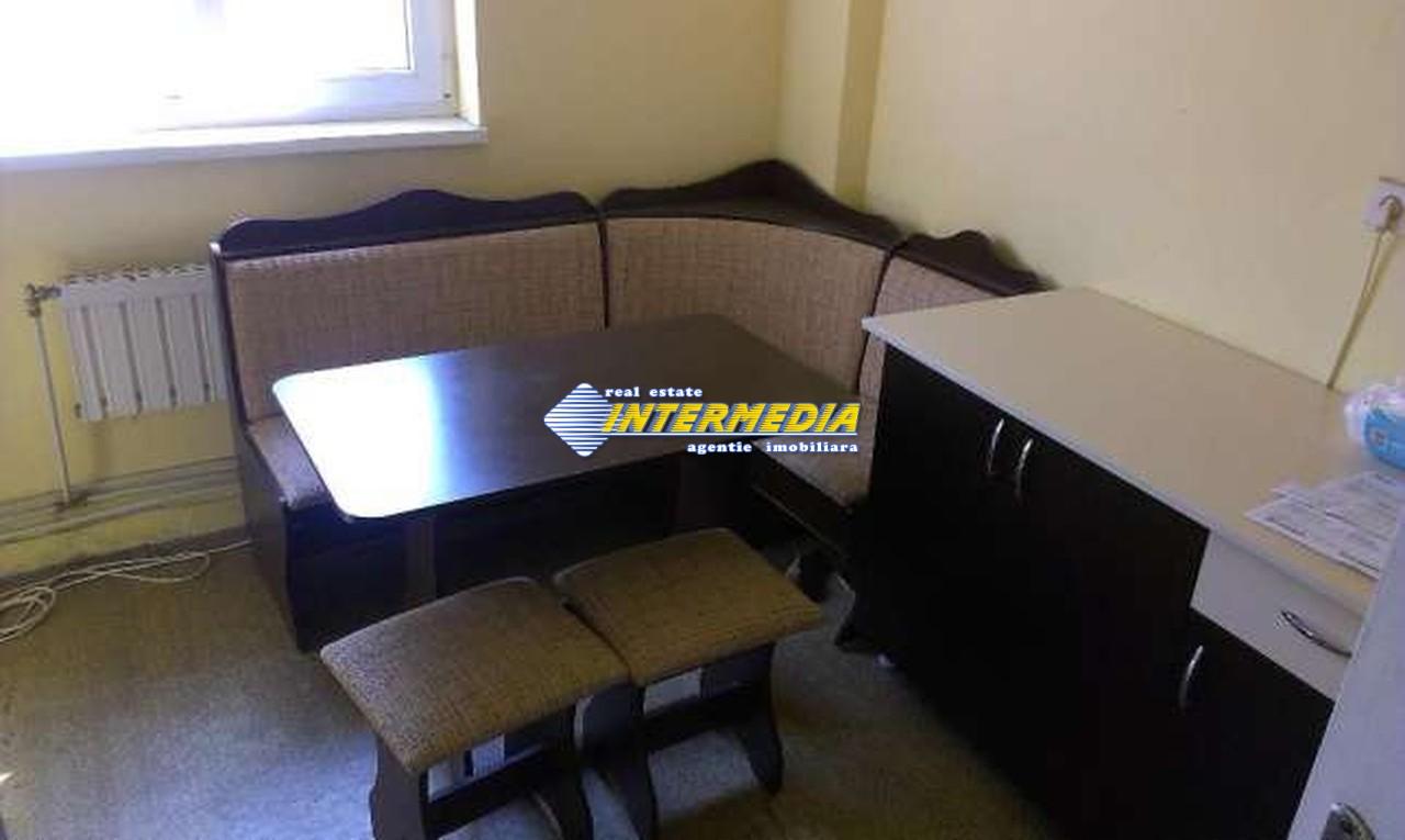 Apartament 3 camere decomandat in Cetate Alba Iulia -33461-5