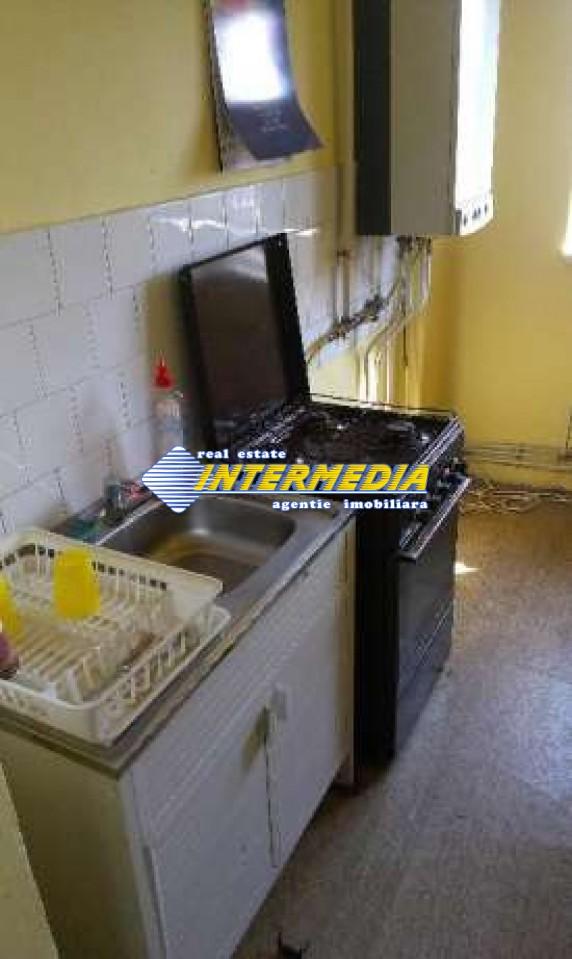 Apartament 3 camere decomandat in Cetate Alba Iulia -33461-6