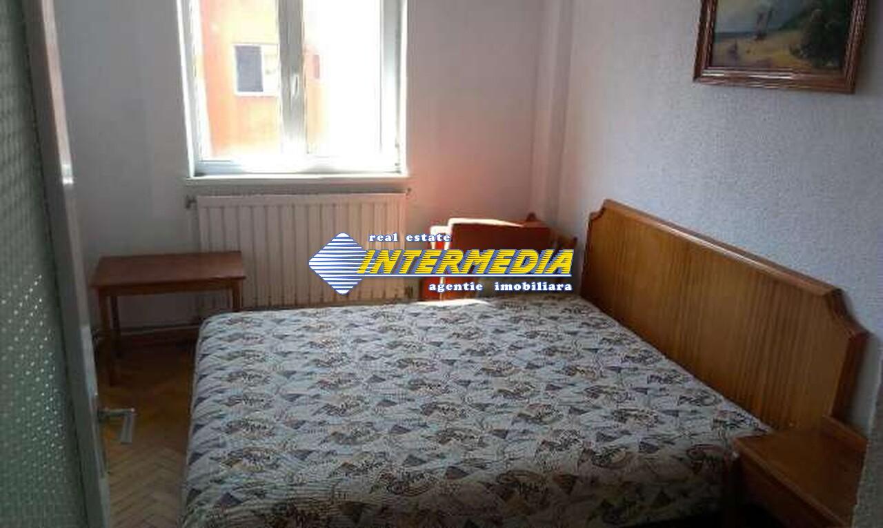 Apartament 3 camere decomandat in Cetate Alba Iulia -33461-3