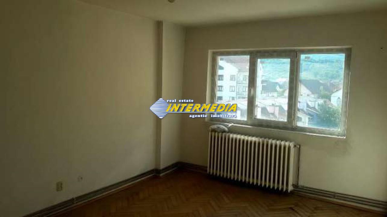 Apartament 3 camere de vanzare in Alba Iulia zona Cetate-33642-3
