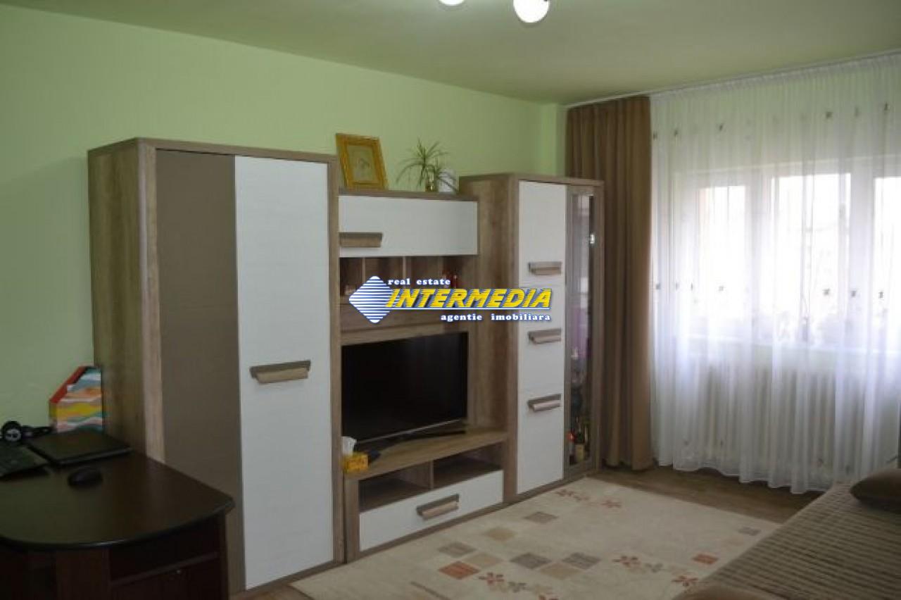 201555993_1_644x461_proprietar-apartament-cu-3-camere-in-zona-cetate-alba-iulia.jpg