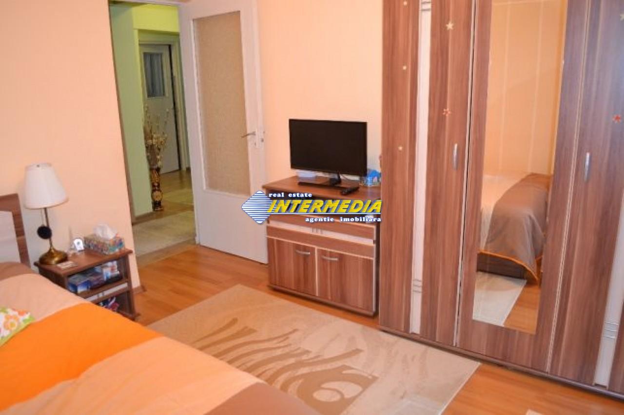 201555993_5_644x461_proprietar-apartament-cu-3-camere-in-zona-cetate-alba.jpg