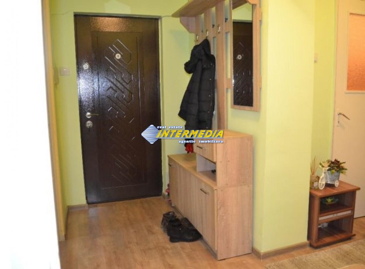 201555993_7_644x461_proprietar-apartament-cu-3-camere-in-zona-cetate-.jpg