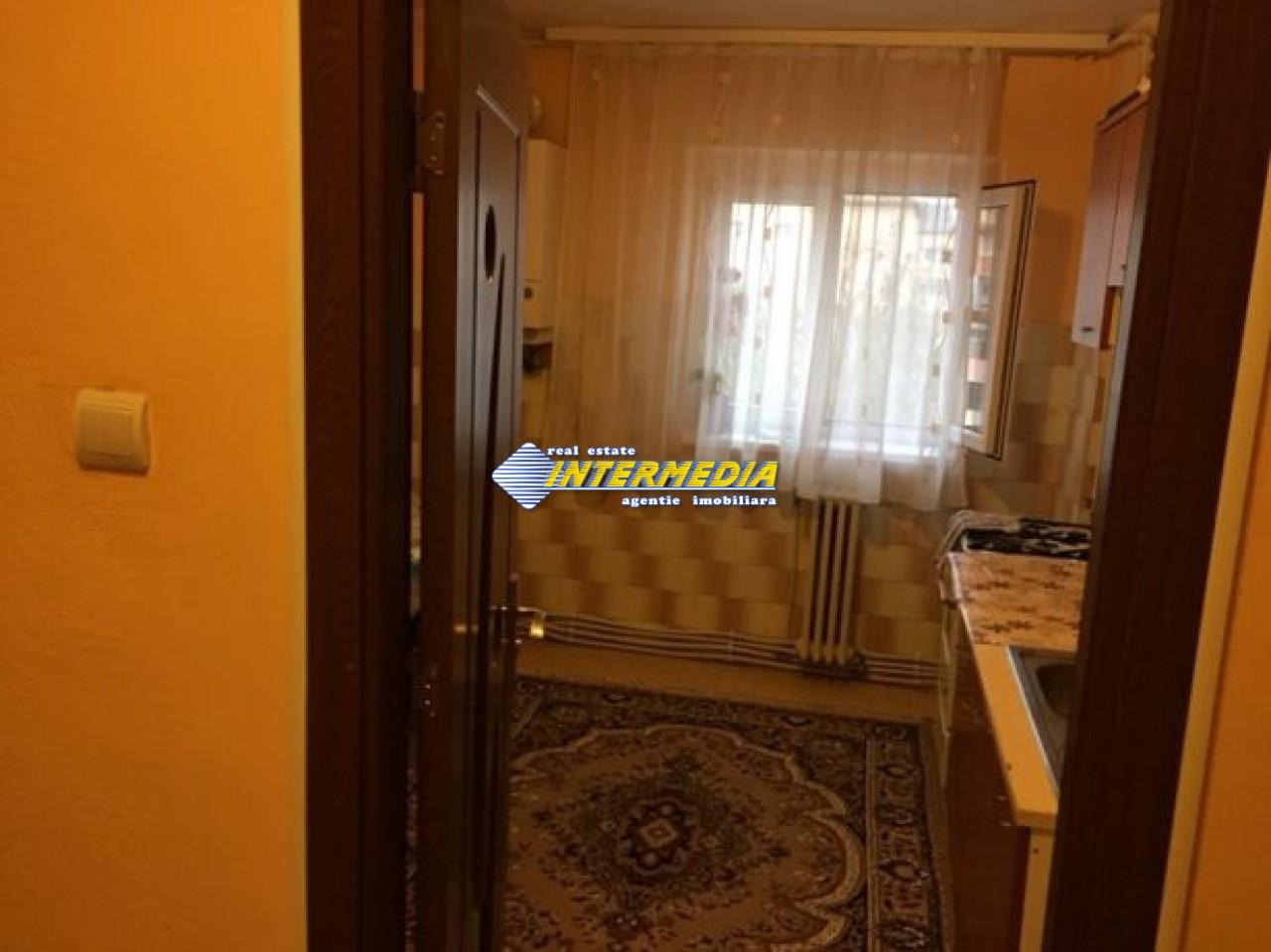 212668055_5_644x461_vand-apartament-zona-cetate-alba.jpg