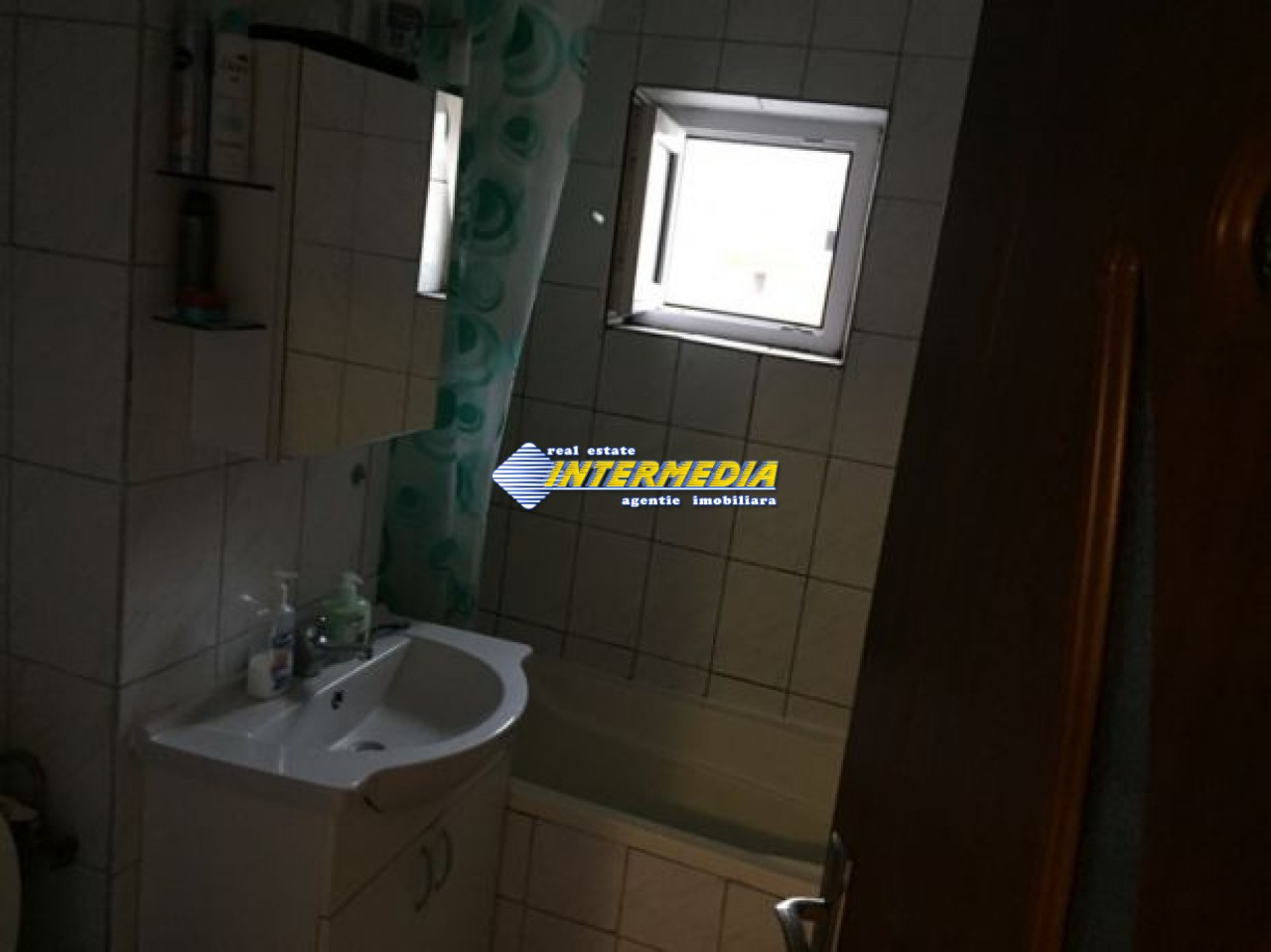 212668055_7_644x461_vand-apartament-zona-cetate-.jpg