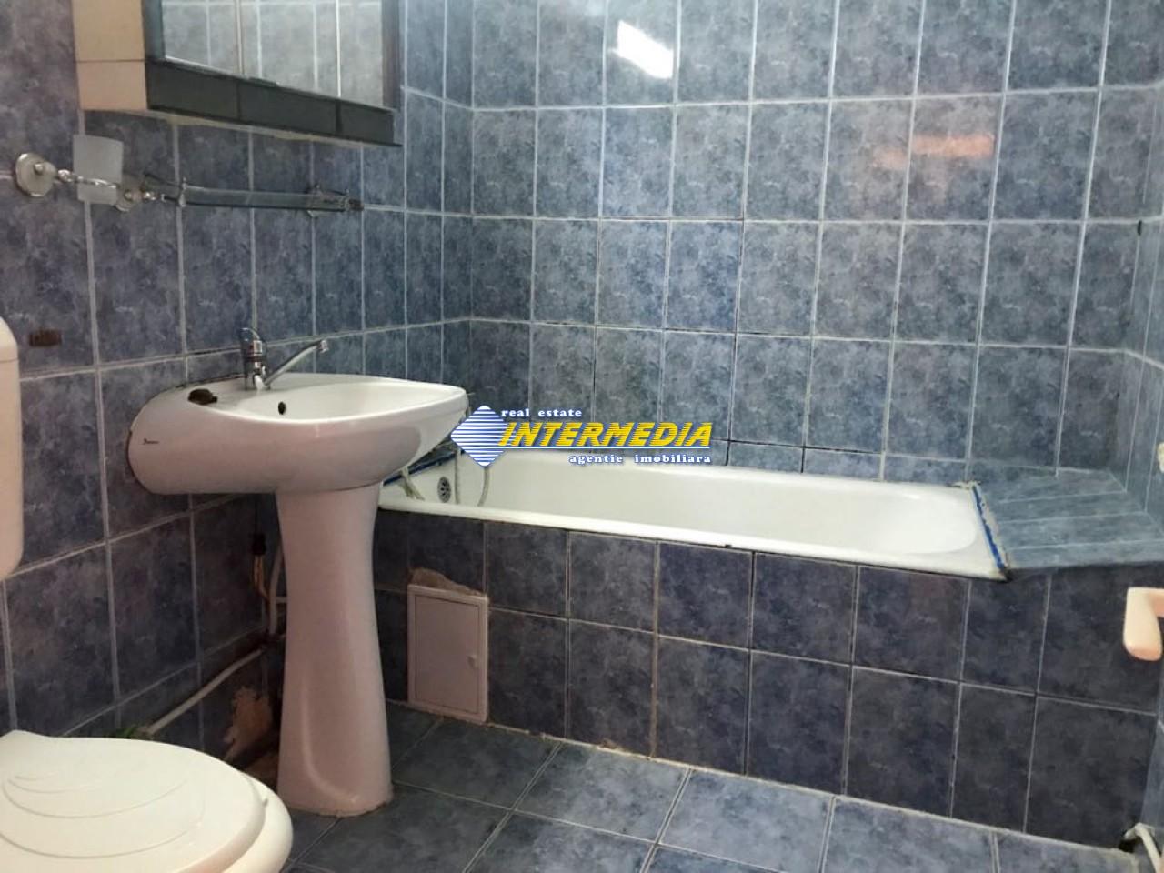 3 camere decomandat de Inchiriat in Cetate Alba Iulia-25574-11