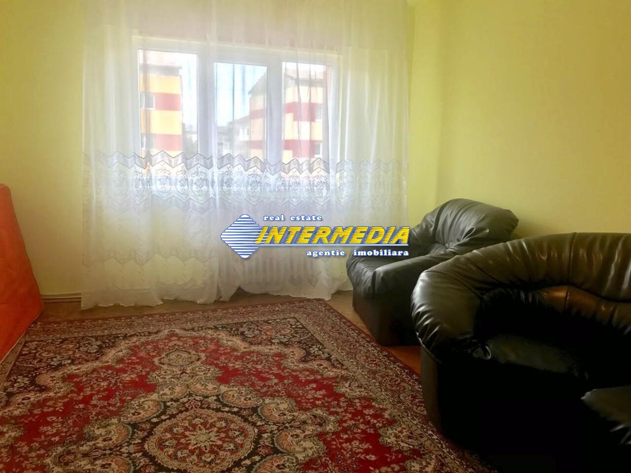 3 camere decomandat de Inchiriat in Cetate Alba Iulia-25574-8