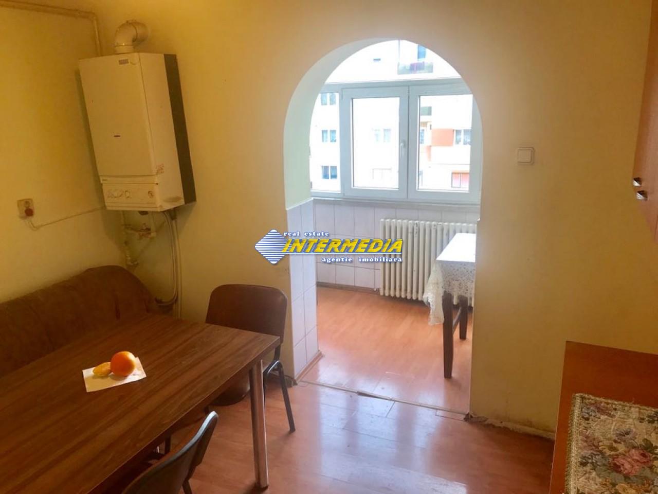 3 camere decomandat de Inchiriat in Cetate Alba Iulia-25574-7