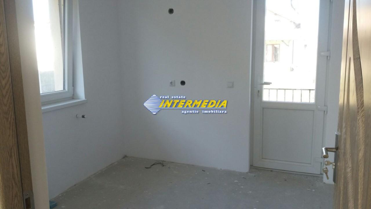 Casa de vanzare in zona Arex-33685-1