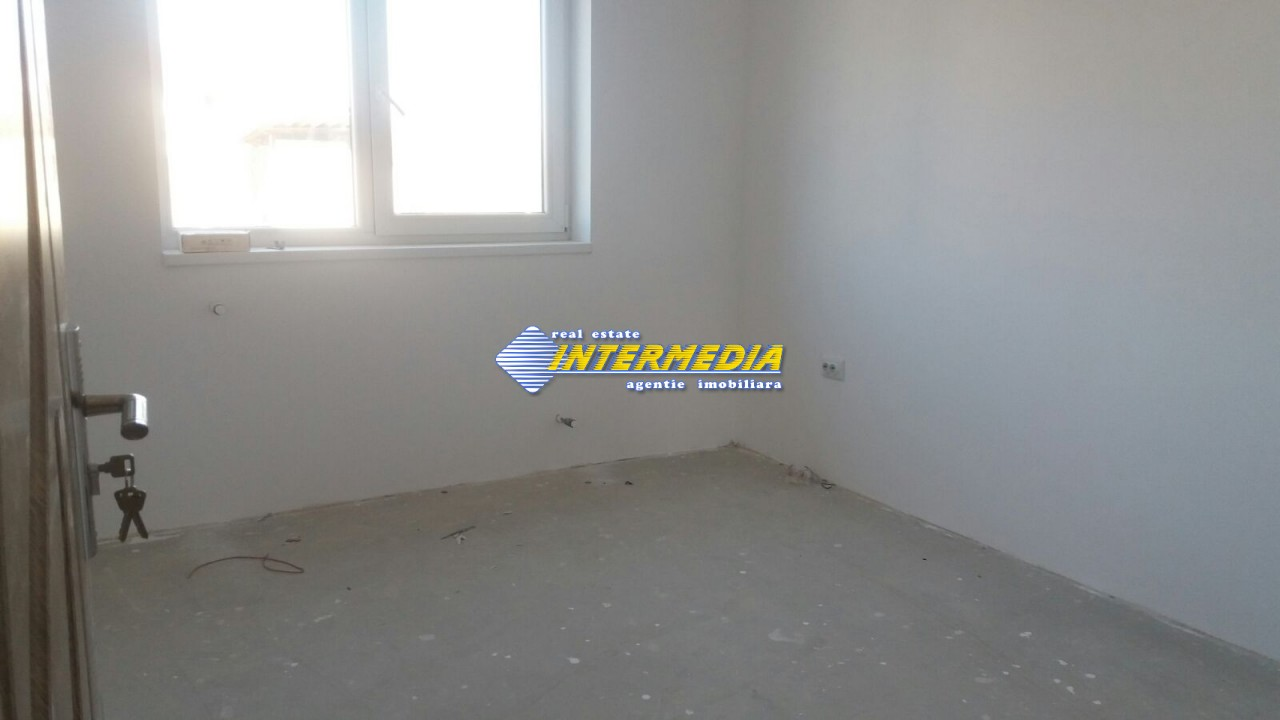 Casa de vanzare in zona Arex-33685-2