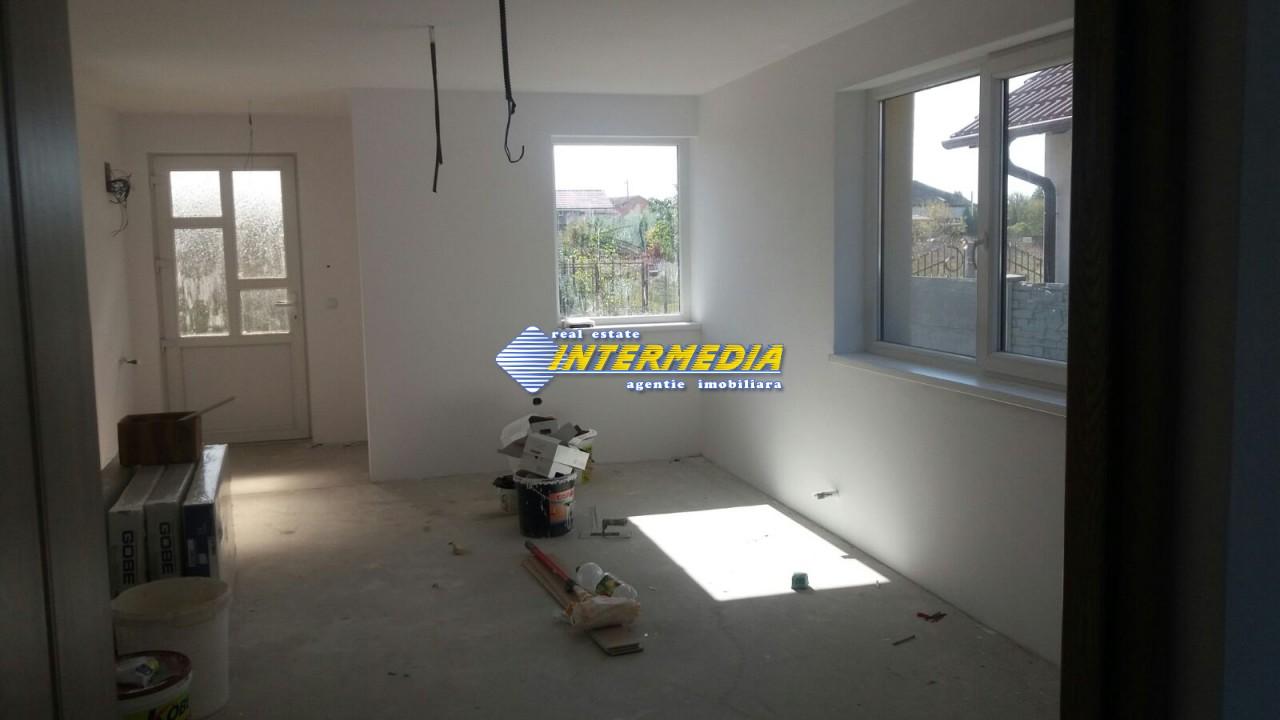 Casa de vanzare in zona Arex-33685-3