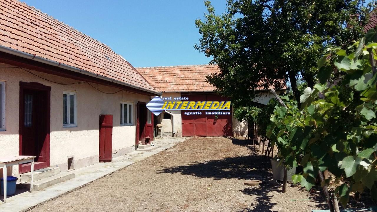 Casa de vanzare zona Ciugud-33460-11