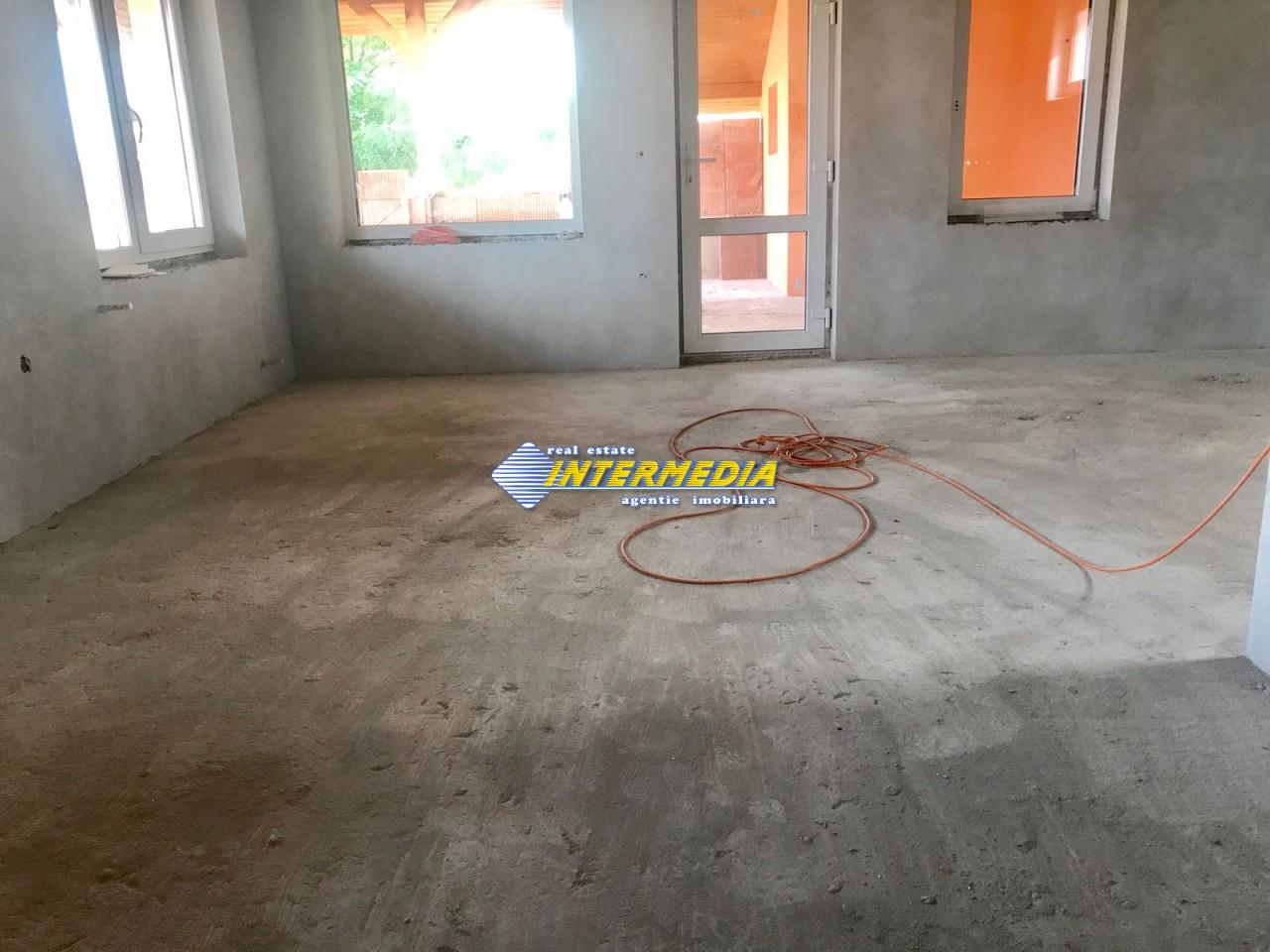 Casa NOUA de vanzare Zona Cetate Alba Iulia-33412-4