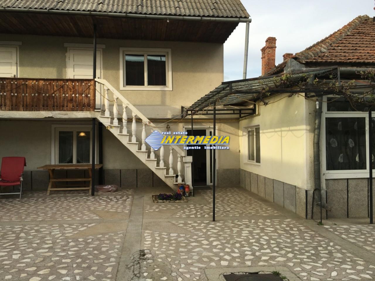 Casa 9 camere si Teren 2500 mp. de vanzare zona Santimbru-22684-21