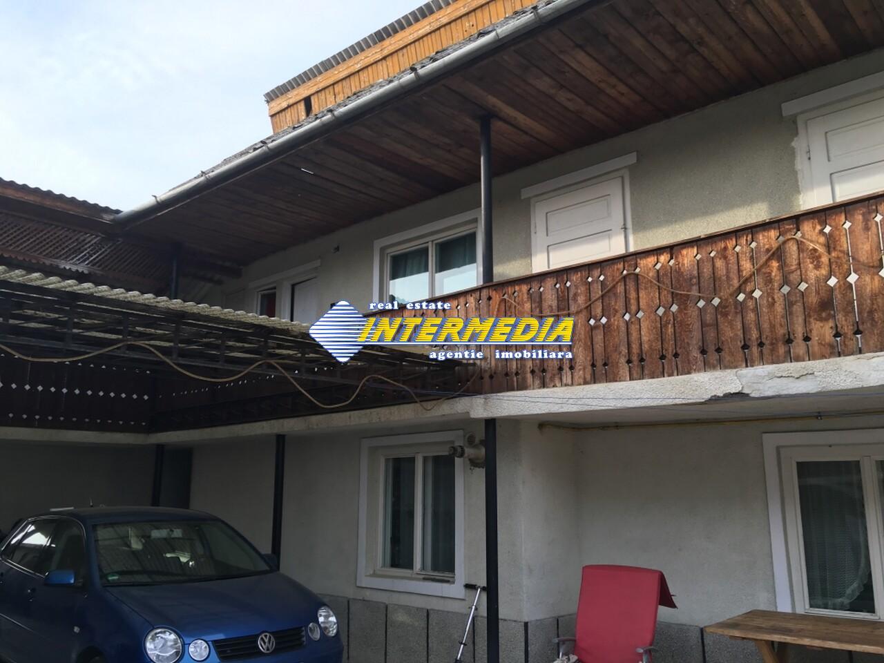 Casa 9 camere si Teren 2500 mp. de vanzare zona Santimbru-22684-24