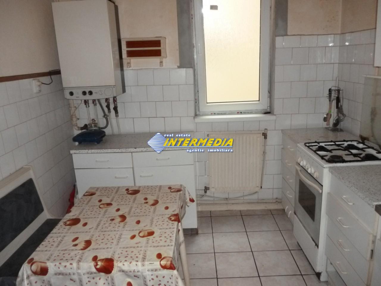Vanzare Apartament 3 camere Decomandate Alba Ultracentral-22703-1