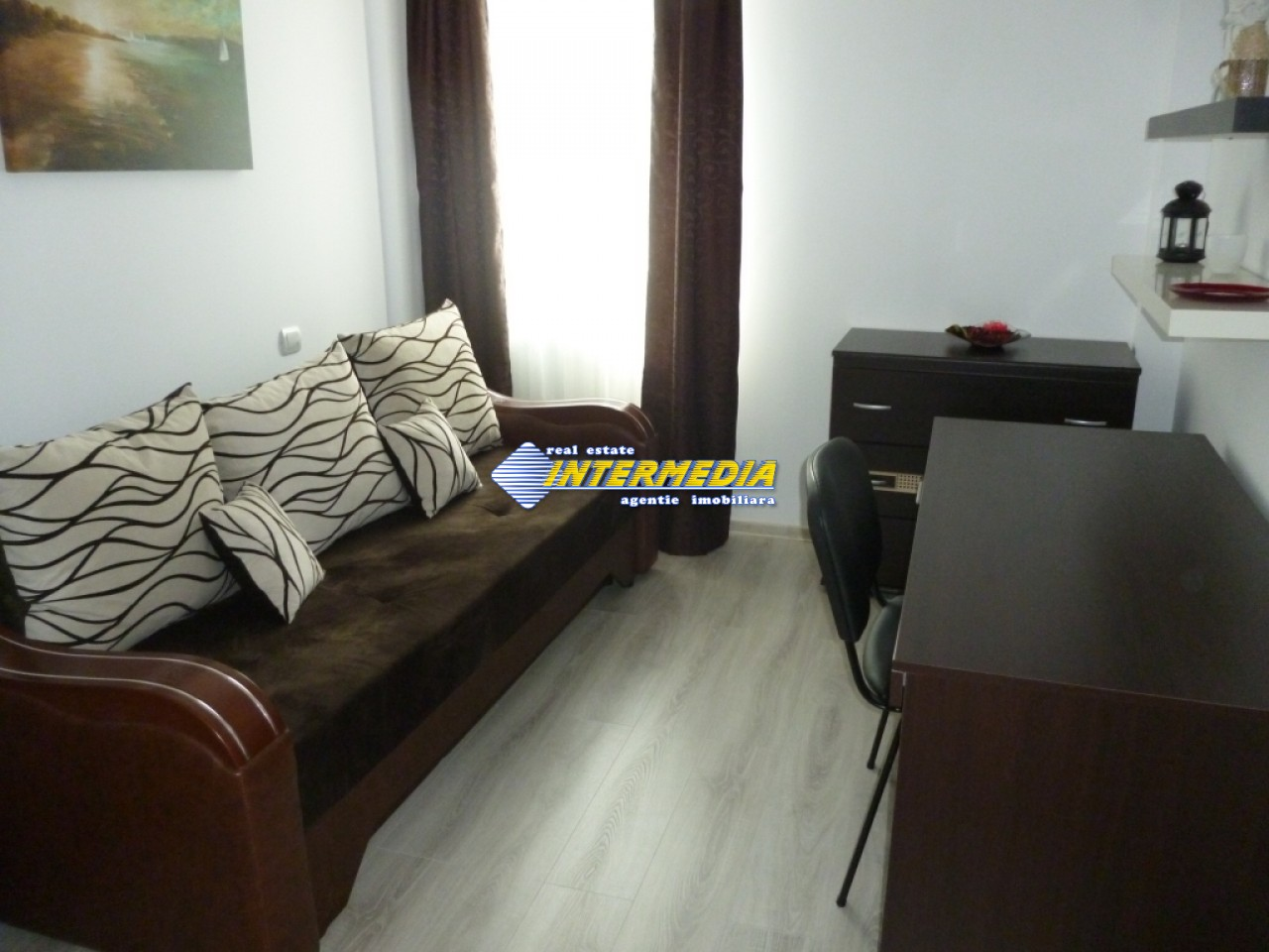 Apartament 4 camere de vanzare Alba Iulia Cetate Carolina 75.000 Euro-25931-10