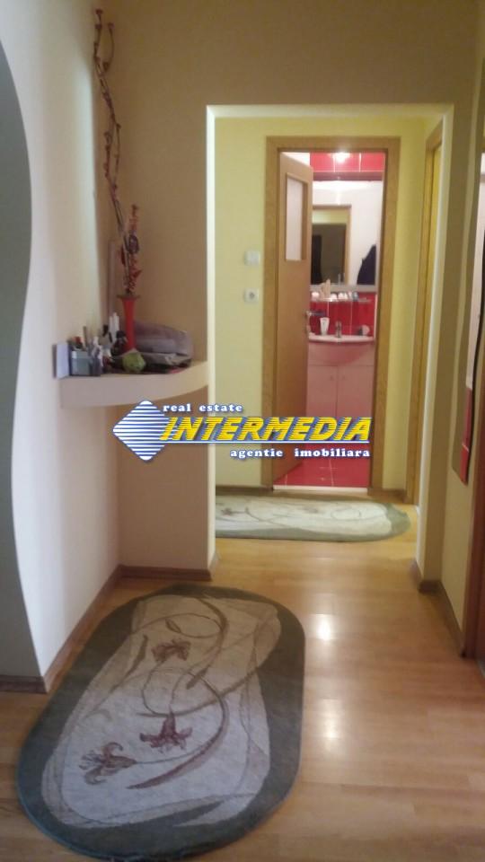 Apartament cu 3 camere Cetate etaj intermediar-33613-0
