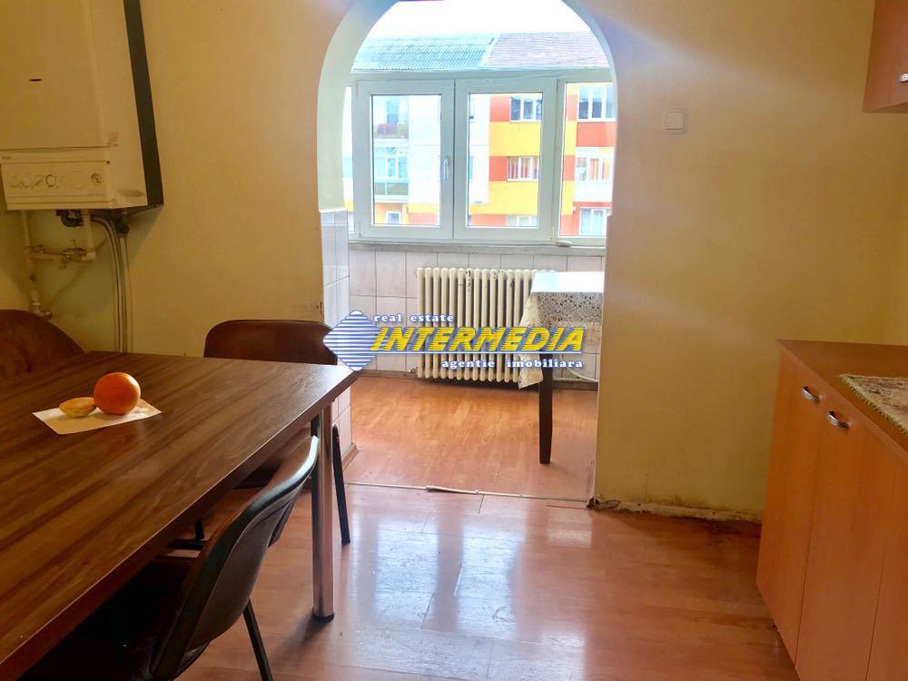 3 camere decomandat de Inchiriat in Cetate Alba Iulia-25574-14