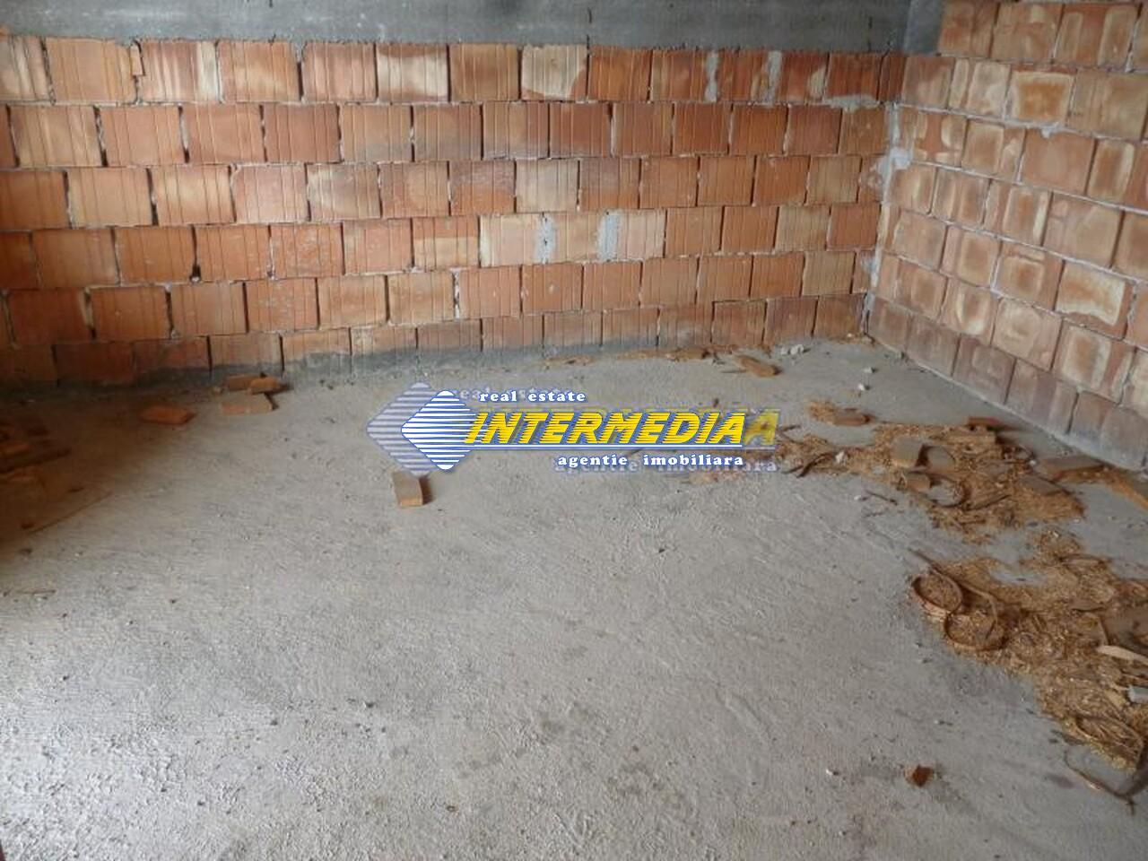 Casa de vanzare Alba Iulia in rosu 40000 Euro-17777-2