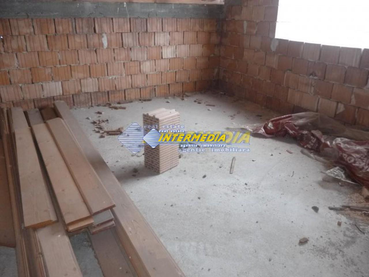 Casa de vanzare Alba Iulia in rosu 40000 Euro-17777-8