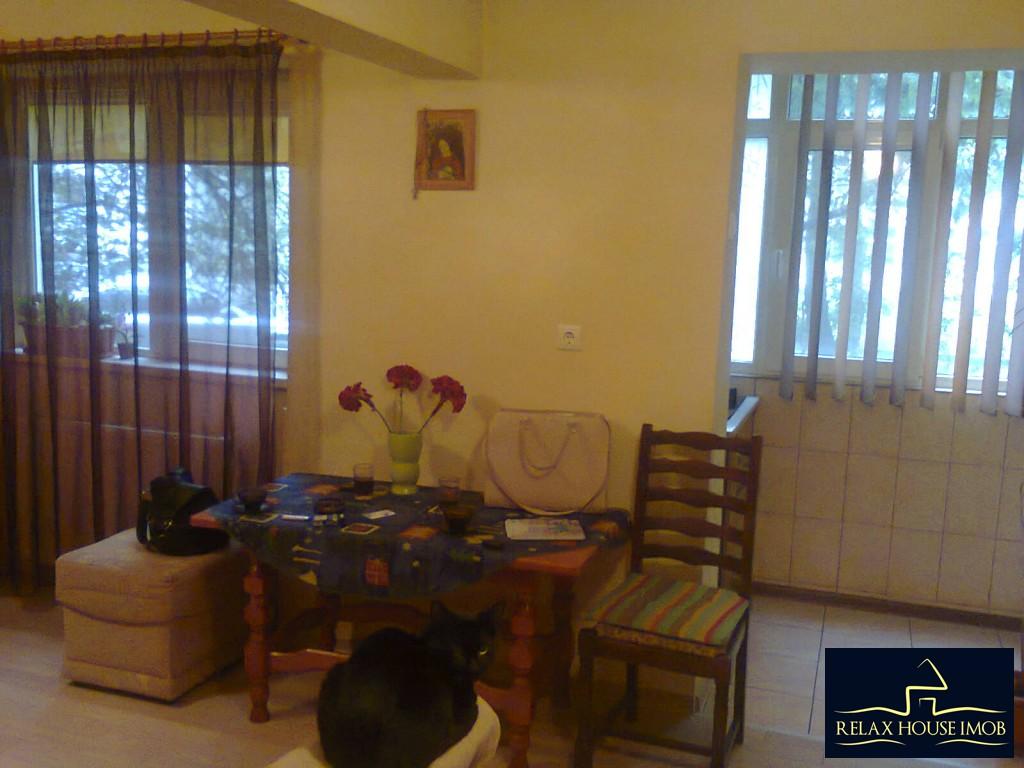 Apartament 4 camere confort 1 decomandat, in Ploiesti, zona Malu Rosu-17687-1