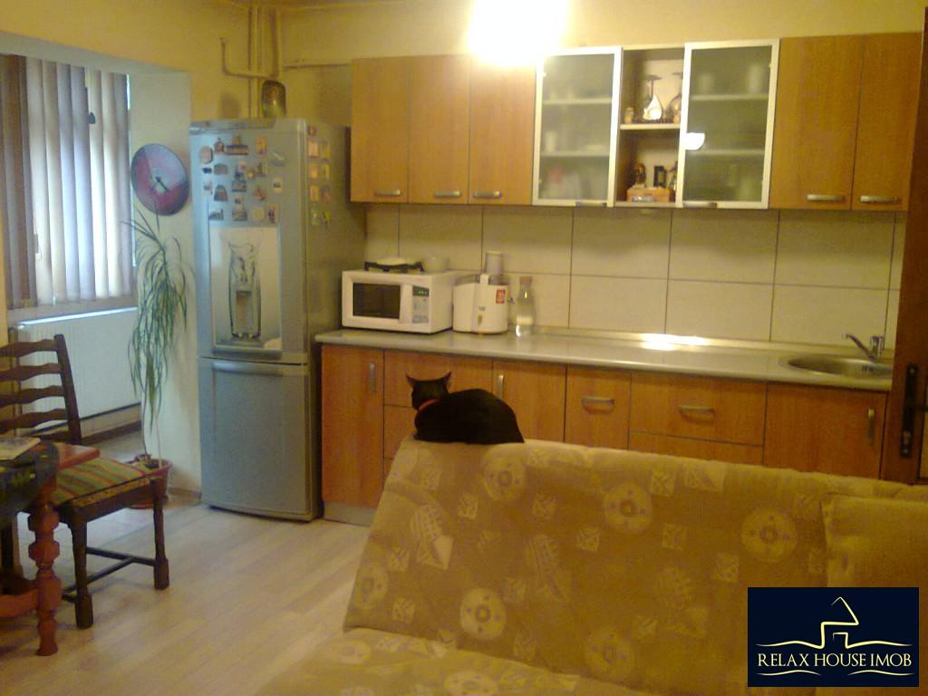 Apartament 4 camere confort 1 decomandat, in Ploiesti, zona Malu Rosu-17687-2