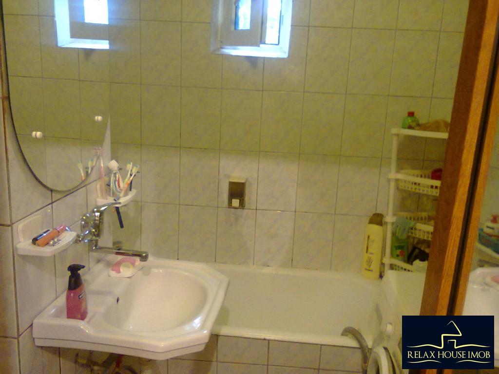 Apartament 4 camere confort 1 decomandat, in Ploiesti, zona Malu Rosu-17687-10