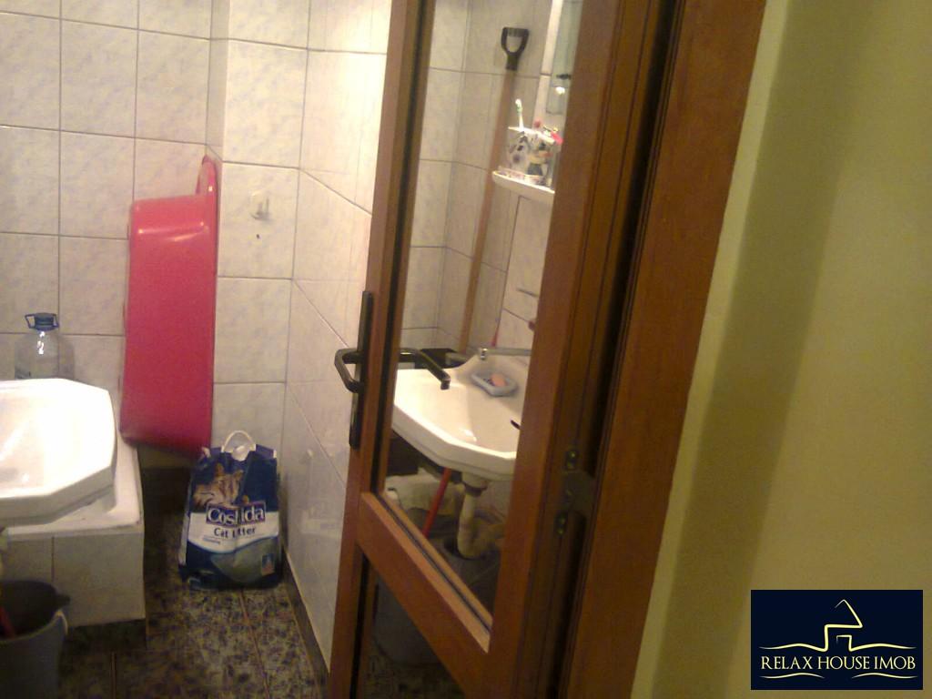Apartament 4 camere confort 1 decomandat, in Ploiesti, zona Malu Rosu-17687-16